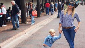 Lässiges Cowgirl: Reese Witherspoon tanzt mit ihrem Sohn