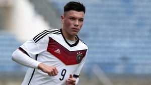 Rauswurf von Eintracht-Star: Hat er Mitspieler geschlagen?