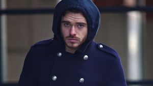 Mies gelaunt! GoT-Richard Madden im Winterblues