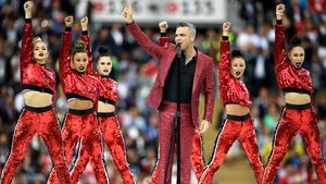 Robbie Williams & Co.: So stylish war die WM-Eröffnung!