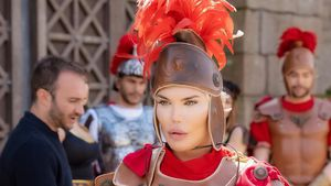Römischer Soldat & Cowboy: Ken-Doll Rodrigo dreht Musikvideo