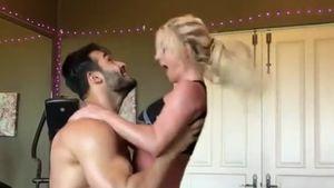 Heißes Tänzchen: So kommen Britney & Sam ins Schwitzen!