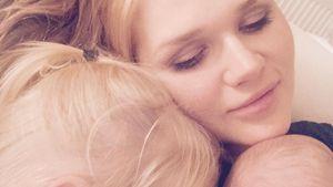 Sara Kulka mit ihren Töchtern