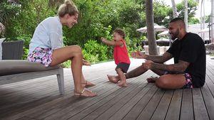 Sarah und Dominic Harrison happy: Kyla macht erste Schritte
