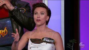 Im Flugzeug: Scarlett Johansson nackt auf Klo erwischt!