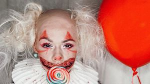 Von wegen sexy: Yvonne Pferrer haut Fans als Horror-Clown um