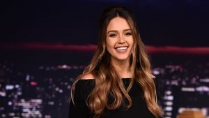 Apart & sexy: So setzt Jessica Alba ihren Baby-Bump in Szene