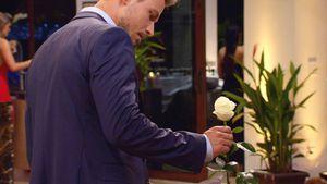 Sebastian Pannek mit der weißen Rose