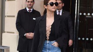 Heißer Auftritt: Selena Gomez versext Pariser Fashion Week