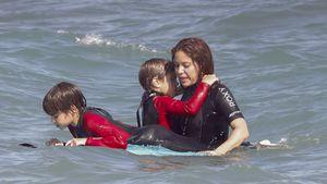 Sportliche Badenixe: Shakira wirft sich mit Kids ins Meer