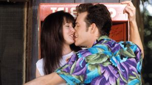 "Shannen Doherty und Luke Perry in ""Beverly Hills, 90210"""