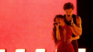 Kitschig oder süß? Shawn und Camila überraschen mit Duett
