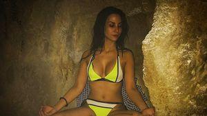 Ein echter Hingucker! Sila Sahin meditiert im sexy Bikini