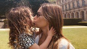 Knutschpic! Jessica Biel und ihr Sohn Silas grüßen aus Paris
