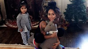 "Ohrwurm-Alarm! Snooki trällert ""All I Want For Christmas"""