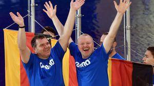 Stefan Raab und Elton beim Turmspringen 2015