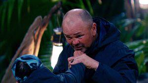 Sven hat versprochen, sich nicht im Dschungel zu blamieren!