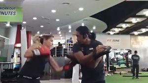 Sylvie Meis beim Boxen