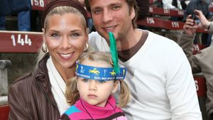 Tanja Szewczenko mit Tochter Jona und Norman Jeschke bei den Karl May Festpielen