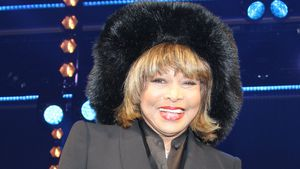 Jungbrunnen? Tina Turners (79) Wow-Look bei Musical-Premiere