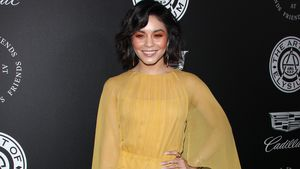(Alb)traum in Gelb? Vanessa Hudgens im All-Over-Look