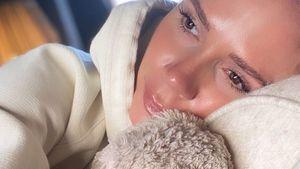 Ohne Make-up und im Hoodie: Victoria Beckham ungewohnt leger