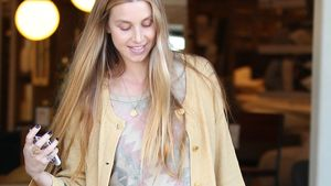 Hollywood-Look: Whitney Ports süßes Shoppingoutfit