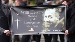 Rührender Abschied in Köln: So lief Willi Herrens Beerdigung