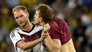 Irrer Fan! WM-Flitzer wollte Höwedes knutschen!