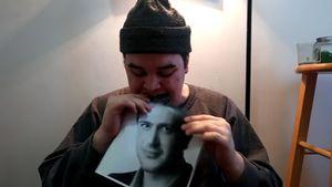 OMG! Dieser YouTuber isst jeden Tag ein Foto von Jason Segel
