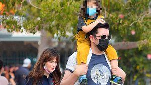 Süß! Zooey Deschanel ist mit ihrer Familie in Disneyland