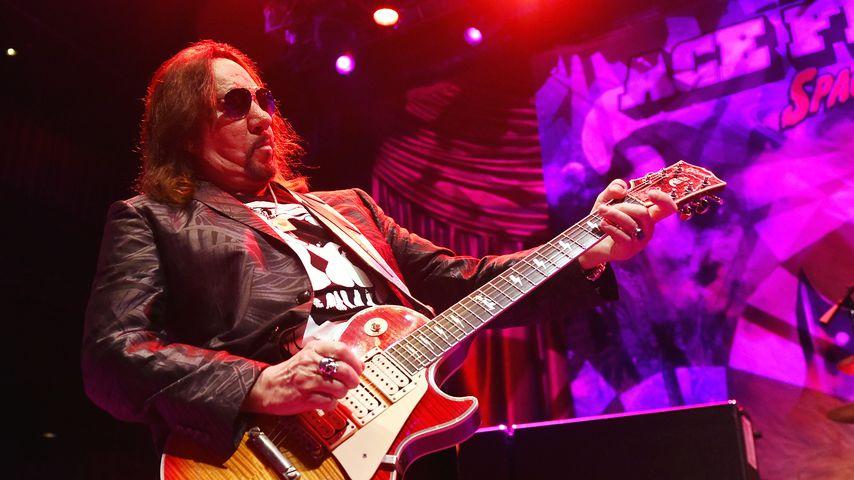 Ace Frehley bei einem Konzert in Las Vegas
