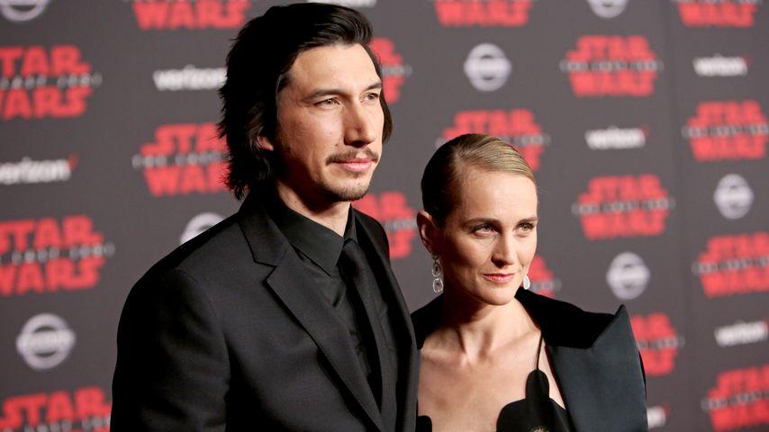 """Adam Driver und Joanne Tucker auf der """"Star Wars: Die letzten Jedi""""-Premiere im Dezember 2017"""