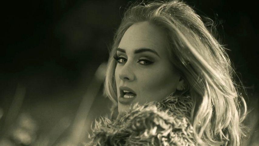 """Adele im Musik-Video zu ihrer Single """"Hello"""""""