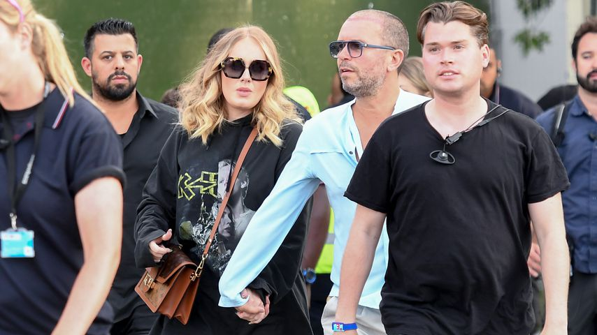 Nach Trennung: Mit wem läuft Adele denn hier Hand in Hand?