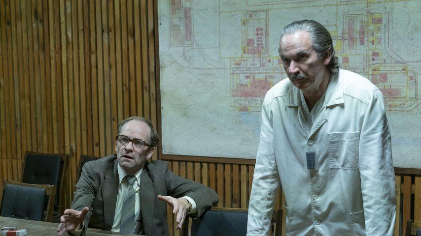 """Adrian Rawlins und Paul Ritter in der Serie """"Chernobyl"""""""