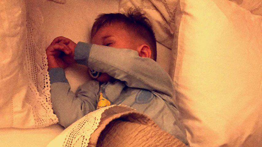 Zuckersüß: Sarah postet Pics vom schlafenden Alessio!