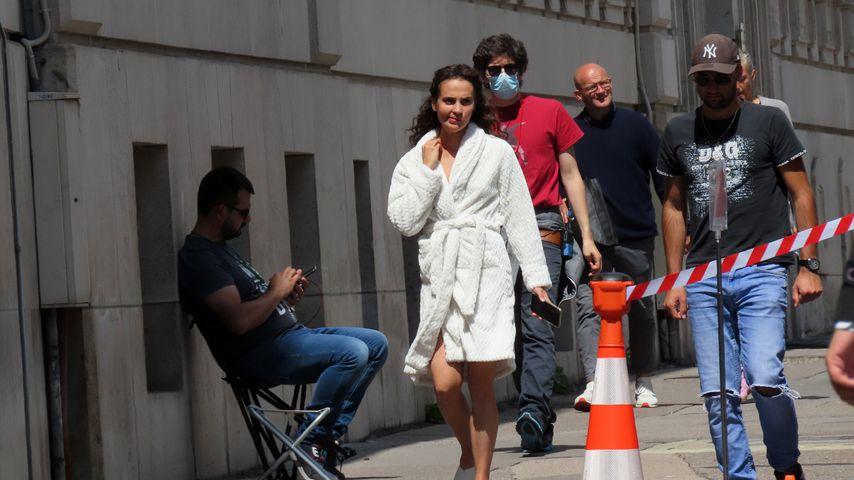"""Alicia Vikander am Set von """"Irma Vep"""" in Paris"""