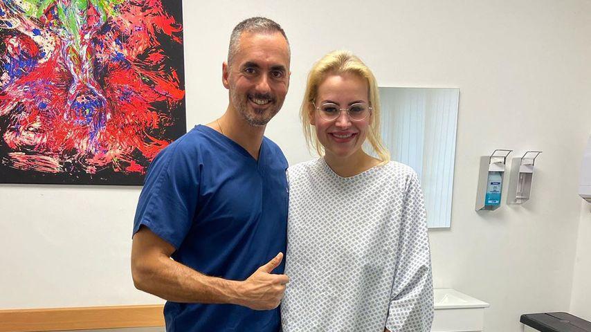 Aline Bachmann mit ihrem Arzt kurz vor der OP