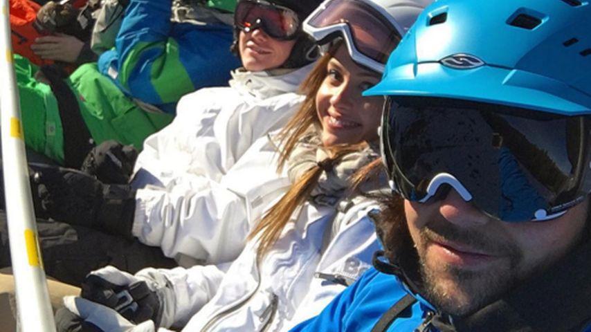 Auf Skiern: Alisa & Patrick rutschen zusammen ins neue Jahr