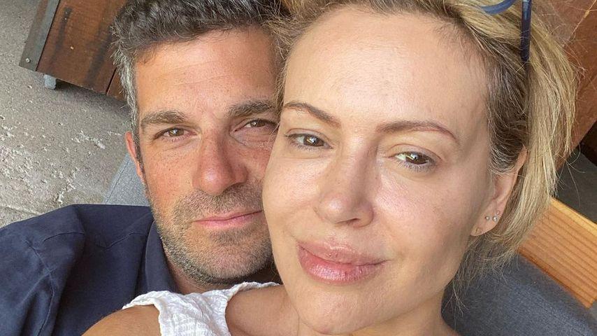Alyssa Milano mit ihrem Mann David Bugliari im Juli 2021