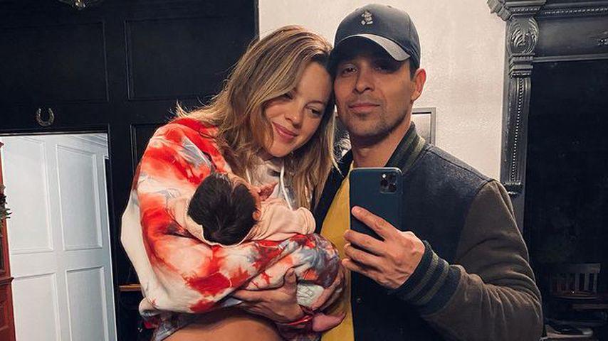 Amanda Pacheco und Wilmer Valderrama mit ihrer gemeinsamen Tochter im Februar 2021 in Los Angeles