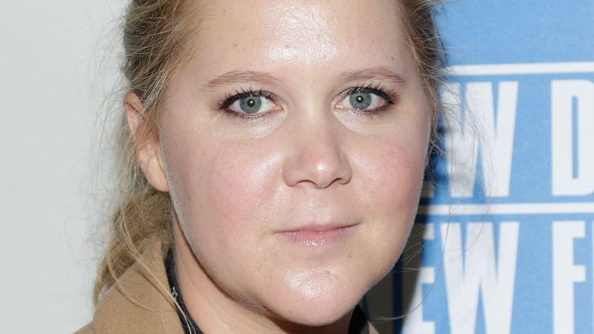 Teurer Klogang: Amy Schumer bezahlt Angestellter 2.000 Euro!