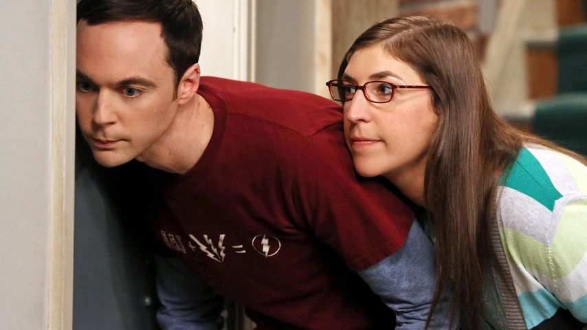 "Sheldon Cooper (Jim Parsons) und Amy Farrah Fowler (Mayim Bialik) in ""The Big Bang Theory"""