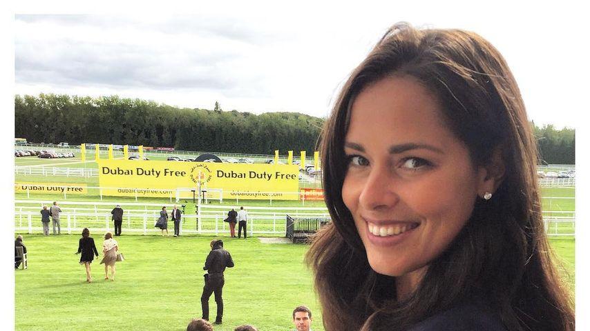 Ana Ivanovic bei einem Pferderennen in Newbury