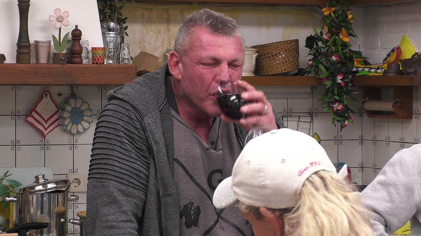 """""""Hurensohn"""": Betrunkener Sommerhaus-Andreas rastet aus"""