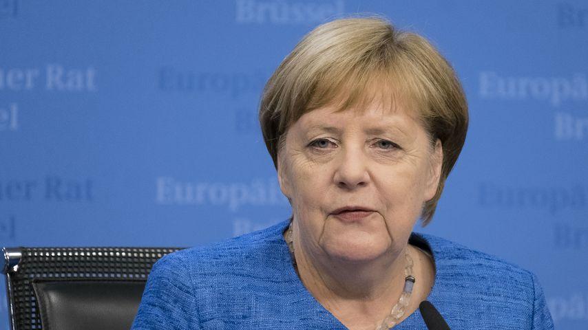 Kanzlerin Merkel gibt nach ihren Zitteranfällen Entwarnung!