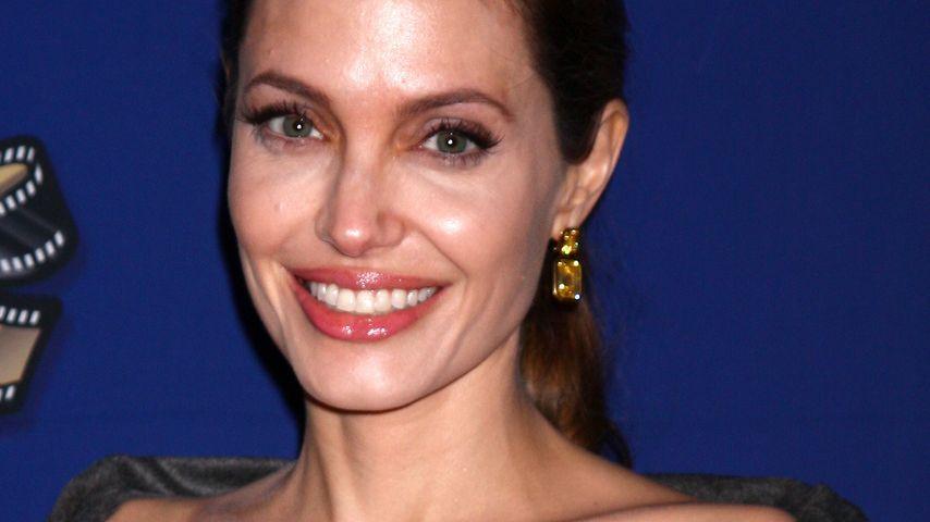 Angelina Jolie macht klar: Das ist kein Ehering!