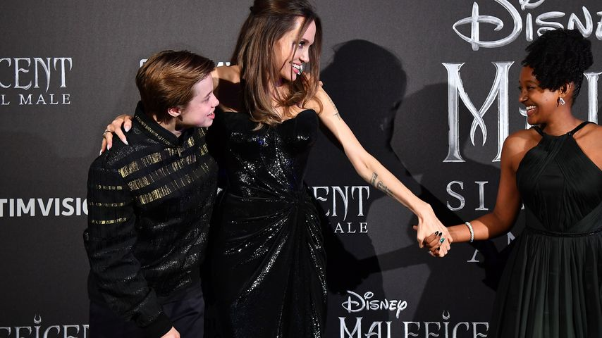 Angelina Jolie mit ihren Töchtern Shiloh und Zahara