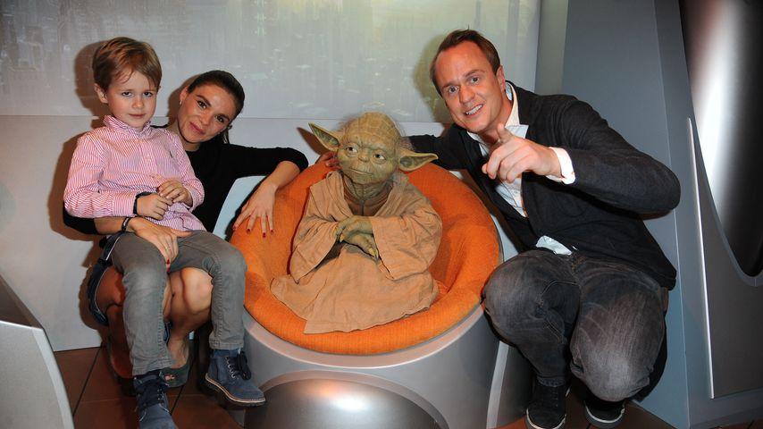 Angelina und Alexander Posth mit ihrem Sohn Leon bei Madame Tussauds